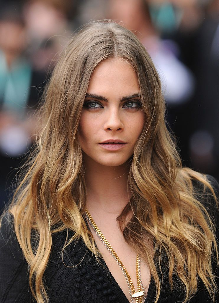 OMG! Cara Delevingne just chopped off all her hair!
